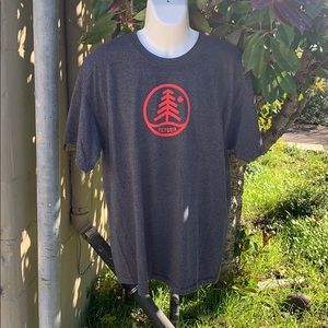 Men's T-Shirt Grey XL Victoria in Red on front